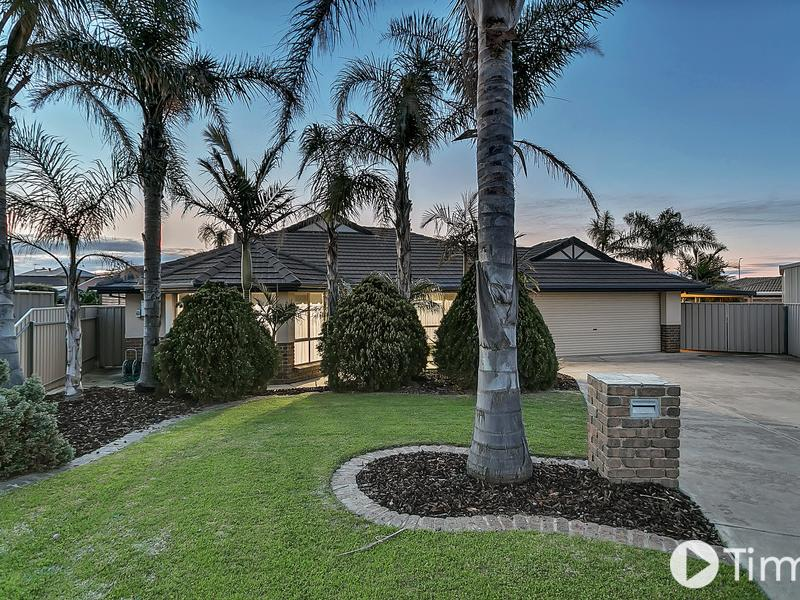 12 Meadfoot Close, Moana