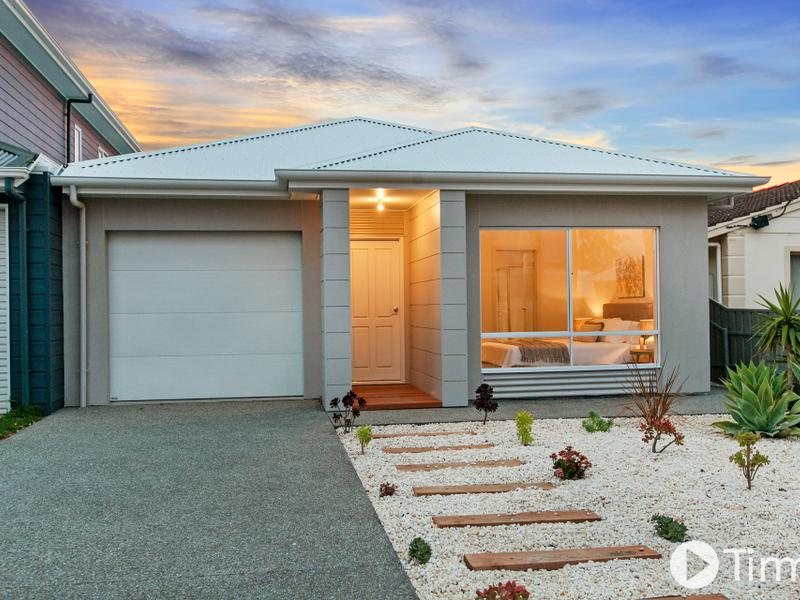 16B First Avenue, Moana