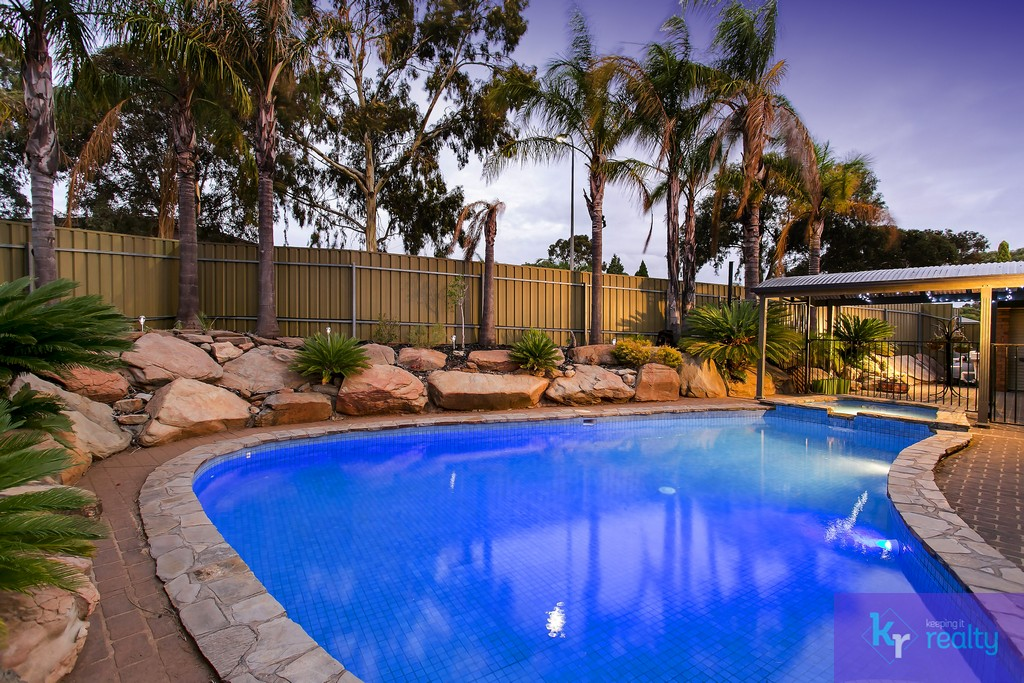 17 Heath Court, Gulfview Heights - 22