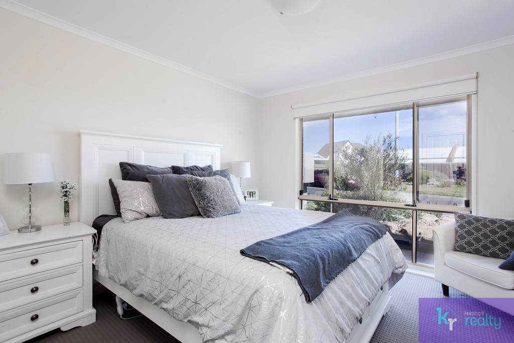 6 Goodrington Way, Moana - 02