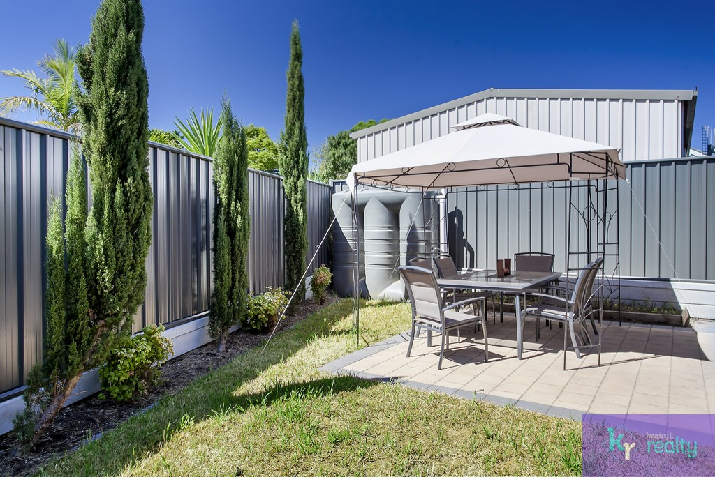6 Goodrington Way, Moana - 15
