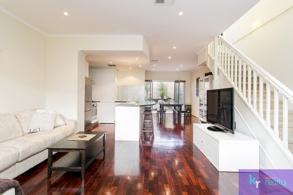8-4 Cowell Place, Mile End - 03