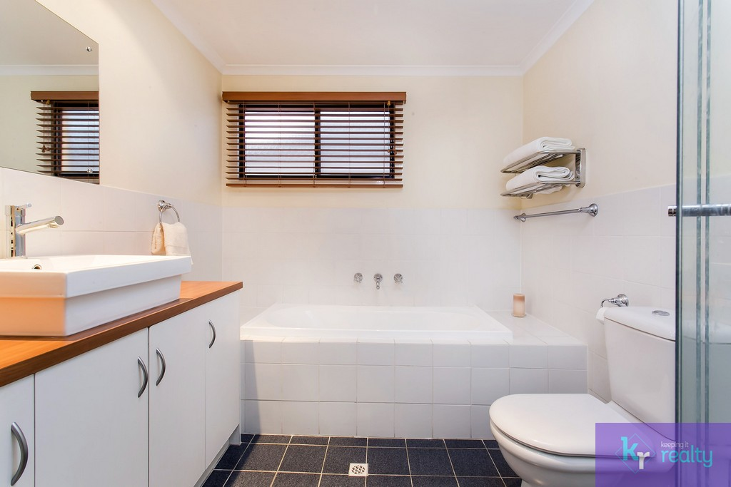 8-4 Cowell Place, Mile End - 13